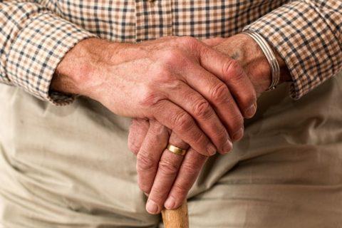 Jak zadbać o osoby starsze?