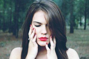 Peelingi do twarzy – czy możemy stosować każdy jeden?