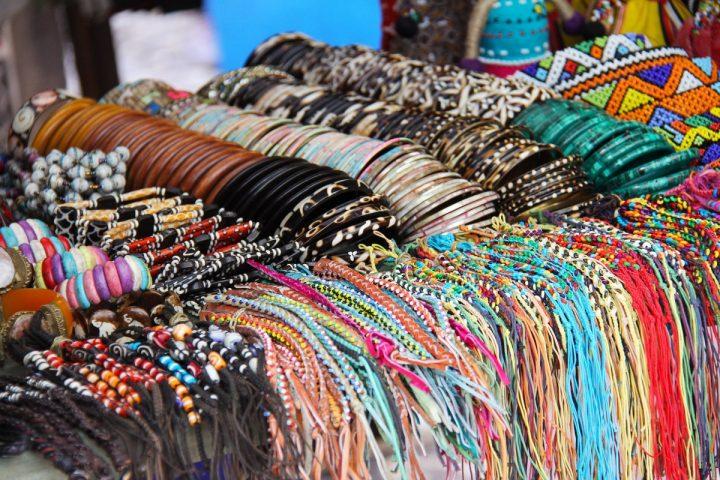 Z czego wynika popularność afrykańskiej biżuterii?