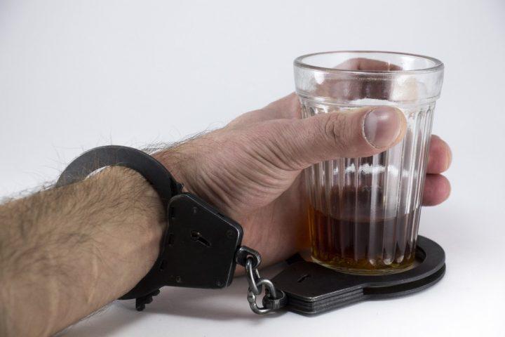 Alkoholik nie chce się leczyć – największy problem osób uzależnionych od alkoholu